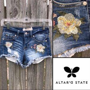🌸 Altar'd State High Rise Floral Boho Shorts 0 24